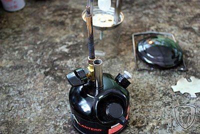 Coleman 3022 汽化燈大部拆解保養 (Generator 油管部分)