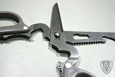 Coleman 12-In-One Scissors 多功能剪刀