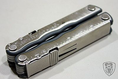 Leatherman FUSE 工具鉗 (含 Victorinox 瑞士刀簡介)