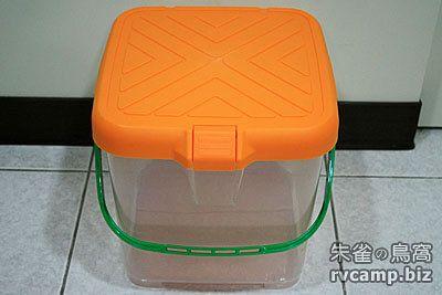 露營小工具 - 伸縮折疊式水桶容器