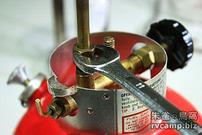 Coleman 200A 汽化燈油管拆解 (Generator + Fuel Valve)