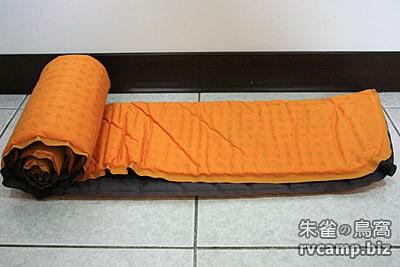 自動充氣睡墊使用心得分享 (100mountain 2.5cm 厚充氣睡墊)