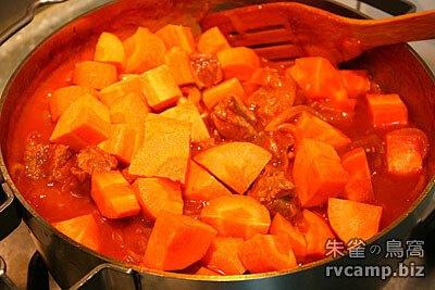 荷蘭鍋料理 - 蕃茄燉牛肉 (SOTO 不鏽鋼荷蘭鍋)